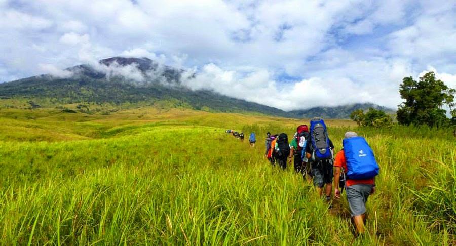 Padang Sabana Sembalun Lawang Ketinggian 1500 meter - Taman Nasional Gunung Rinjani
