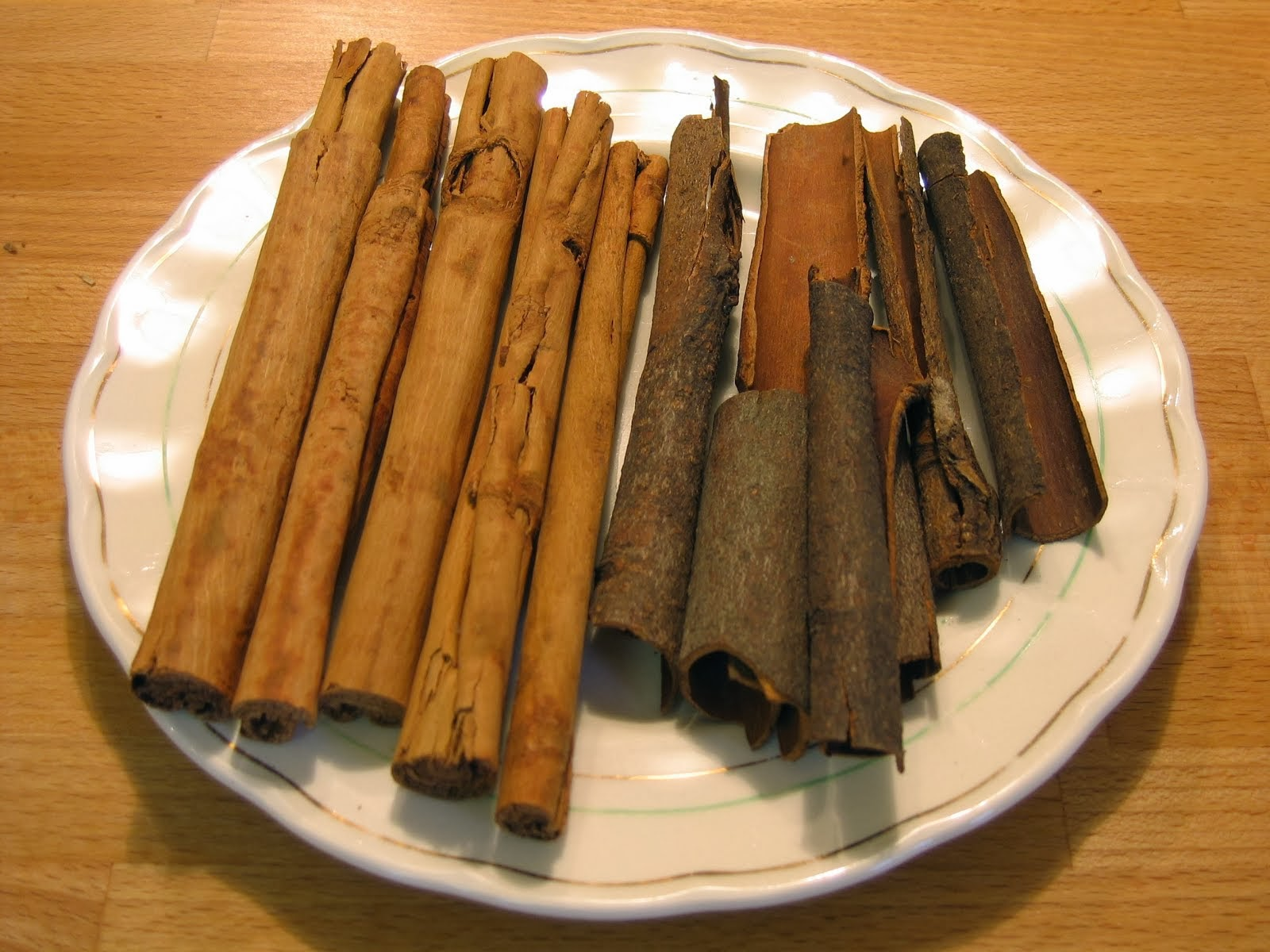 Cinnamon quills and cassia bark