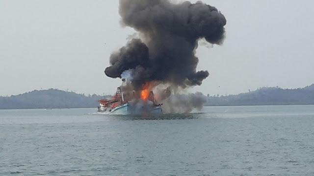 TNI AL dan KKP Tenggelamkan Kapal Ikan Asing di Perairan Langsa Aceh