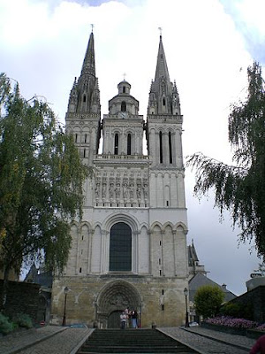 """Cathedrale saint maurice angers proche"" by Romainberth - Own work. Licensed under CC BY-SA 3.0 via Wikimedia Commons - http://commons.wikimedia.org/wiki/File:Cathedrale_saint_maurice_angers_proche.jpg#/media/File:Cathedrale_saint_maurice_angers_proche.jpg"