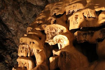 Grotta di Bossea Formations