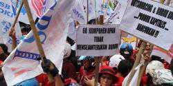 Demo buruh kepung Medan, lalu lintas macet