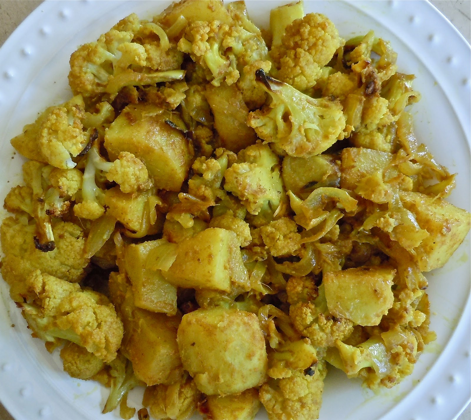 Aloo Gobhi (Roasted Potatoes and Cauliflower) | Rashmi's Recipes