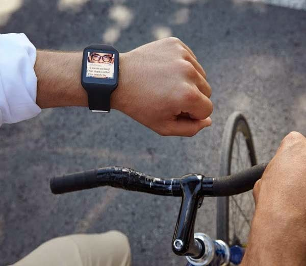 Sony Launched Smartband