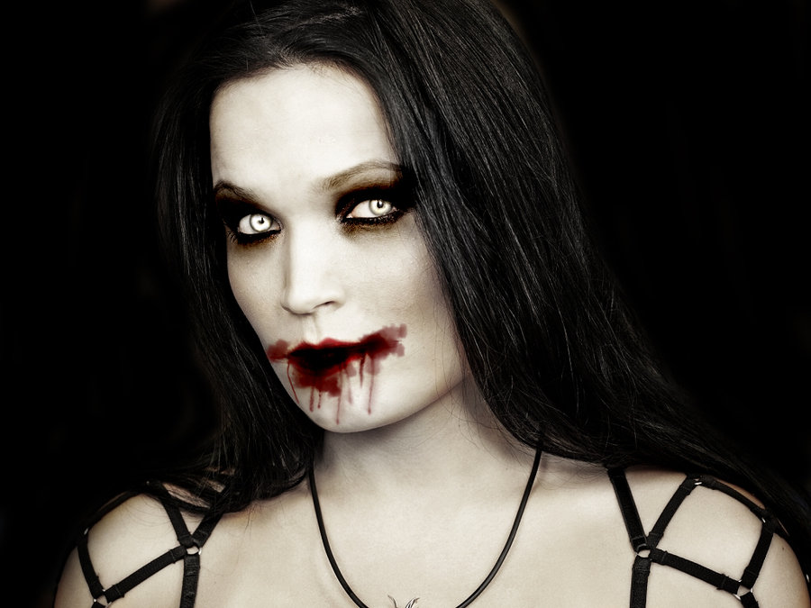 El Bosque Esmeralda - Página 5 Tarja_Turunen_vampira_vampiresa_vampiros_05