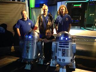 Warwick Davis and UK R2 Builders