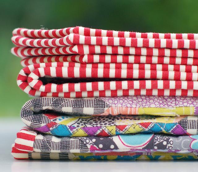 Gardenvale Kansas Dugout Quilt - A Finished Quilt - binding | Red Pepper Quilts 2015