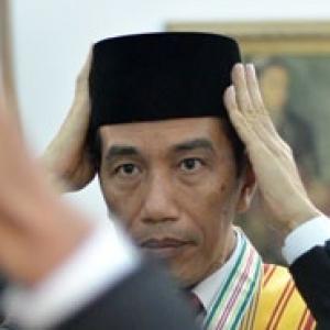Kepemimpinan Jokowi Berantakan