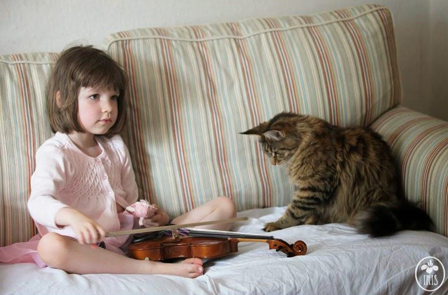 http://www.boredpanda.com/thula-therapy-cat-autistic-artist-iris-grace/
