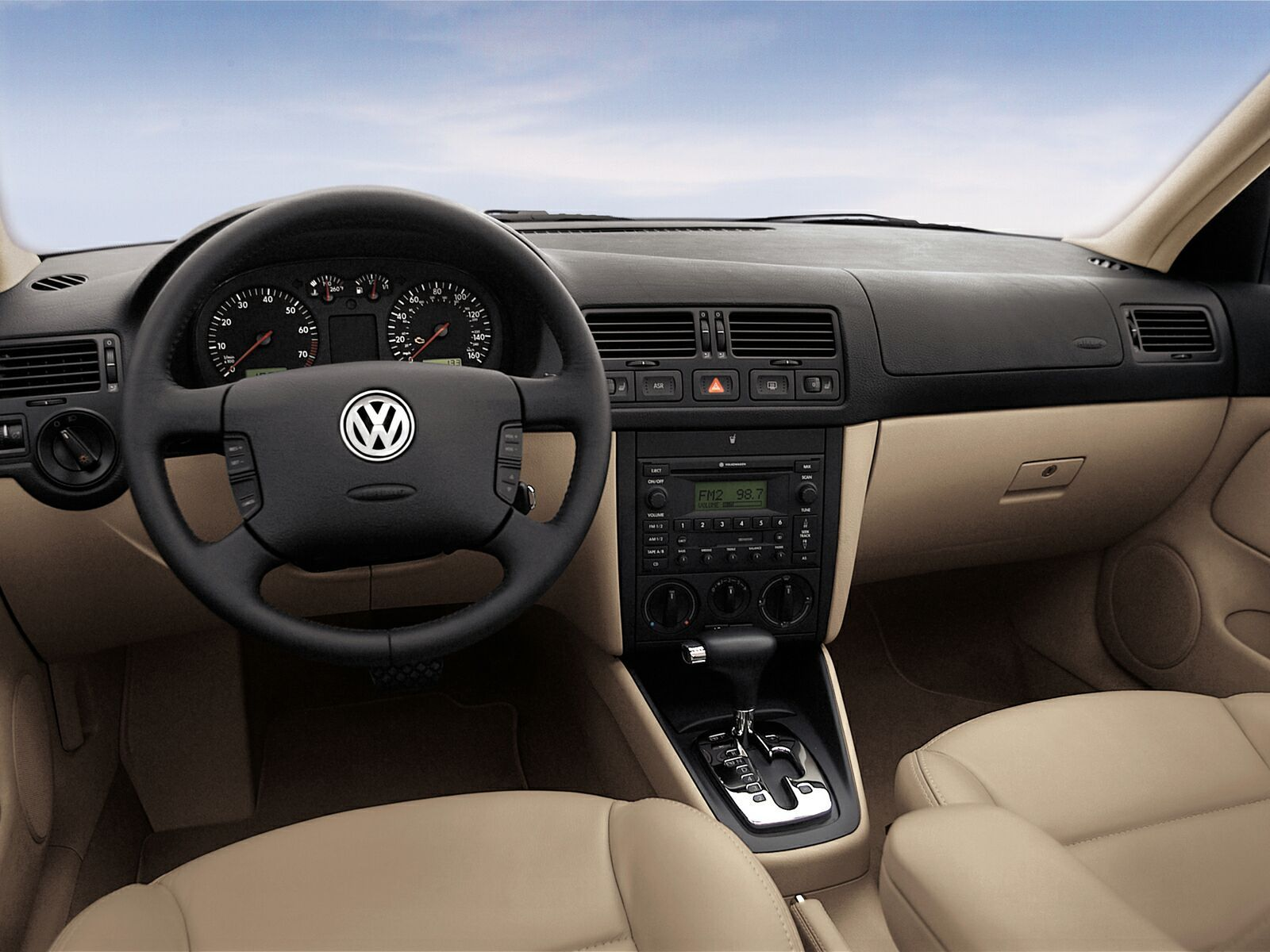http://4.bp.blogspot.com/-owY3oFVp6q0/TluyTjLPUcI/AAAAAAAAAJU/g4__EM0Yk4k/s1600/Volkswagen-Jetta6.jpg