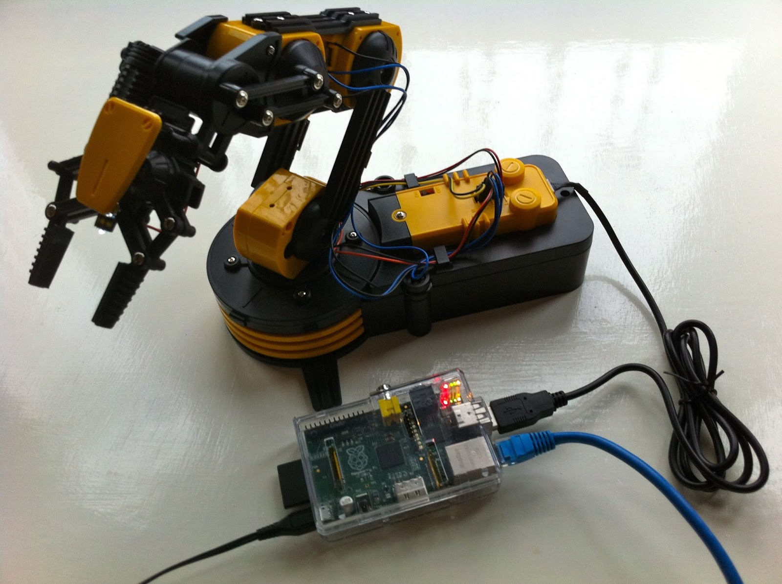 The OWI535 Maplin Robot Arm Battle Bot