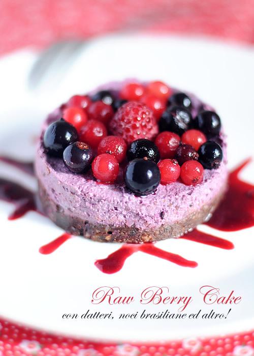 Raw Cake ai frutti di bosco