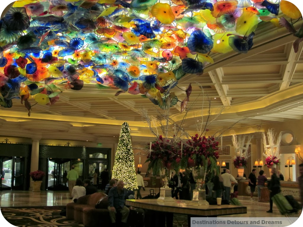 Bellagio lobby, chandelier by Dale Chihuly