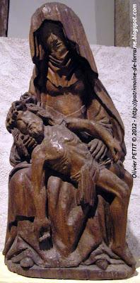 Pietà en bois polychrome Fin XVe siècle.
