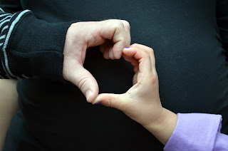 "Murfreesboro & Delaware Maternity Photographer Elyk Studios ""Heart Hands"""