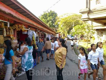 Traditional market in Bali