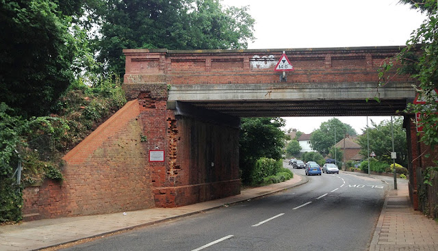 Railway bridge on Tiepigs Lane, Hayes.  20 June 2013.