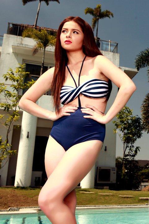 andi eigenmann alluring bikini photos