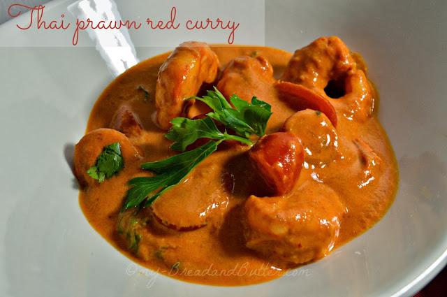 Curry rosso tailandese di gamberi