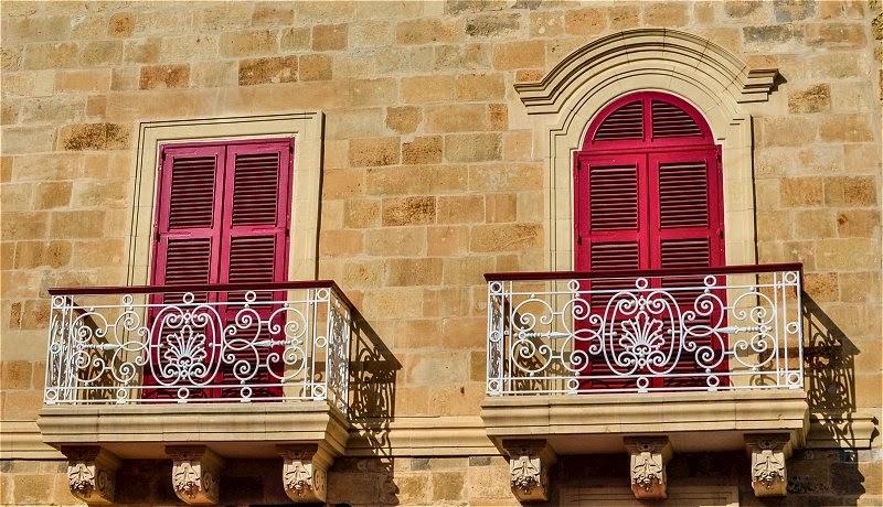 balconi valletta malta