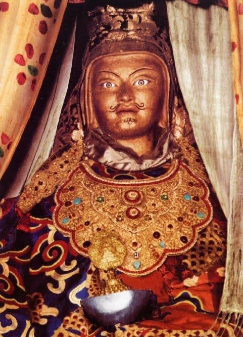 Expunerea amanuntita a mantrei Vajra Guru si a beneficiilor ce deriva din practicarea ei