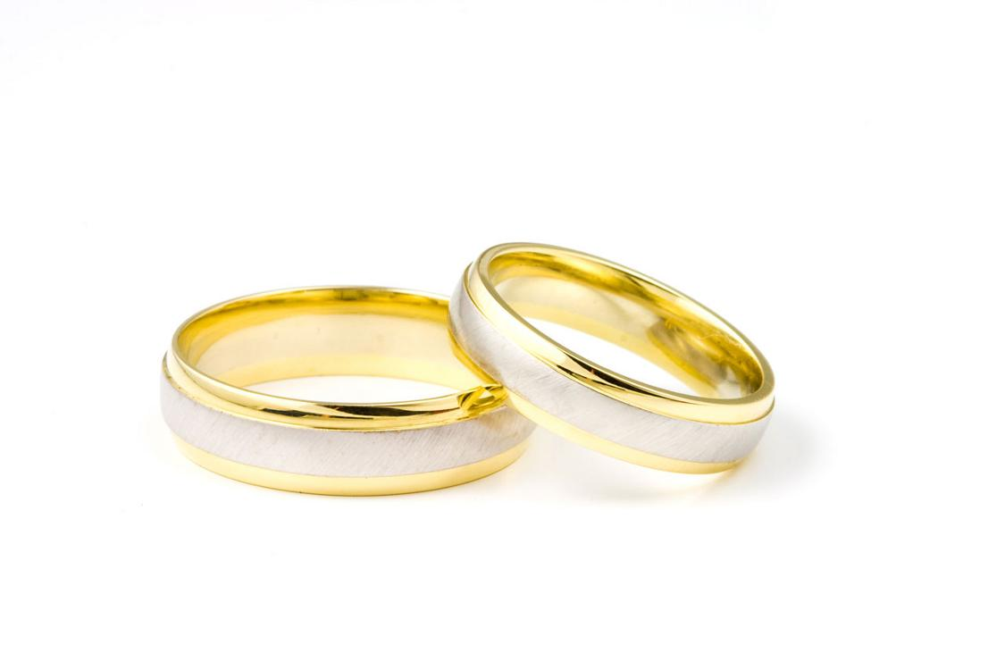 Prepare wedding dresses wedding rings for Golden wedding rings