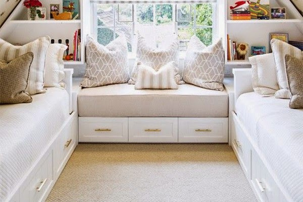 Make your Bedroom Look Bigger By Keeping It Clutter Free