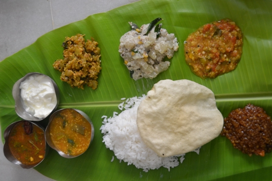Vaniensamayalarai tamil new year lunch menu varusha pirappu menu prepared this menu my hubby loved the entire platter and especially he gave credits for vegetarian lunch menu it is pure south indian lunch menu forumfinder Image collections
