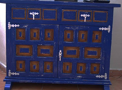 Decorocomoloko mueble castellano azul patagonia for Mueble castellano restaurado