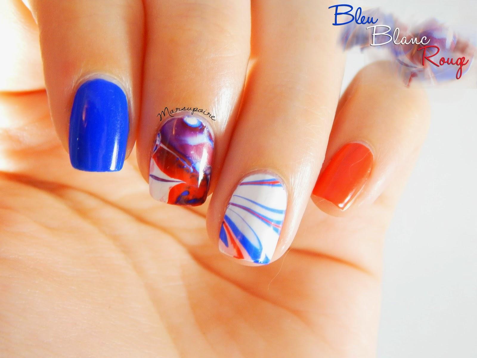 Nail art Watermarble bleu blanc rouge 4