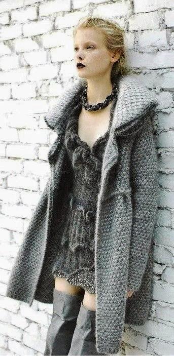 sukienka i plaszcz na drutach
