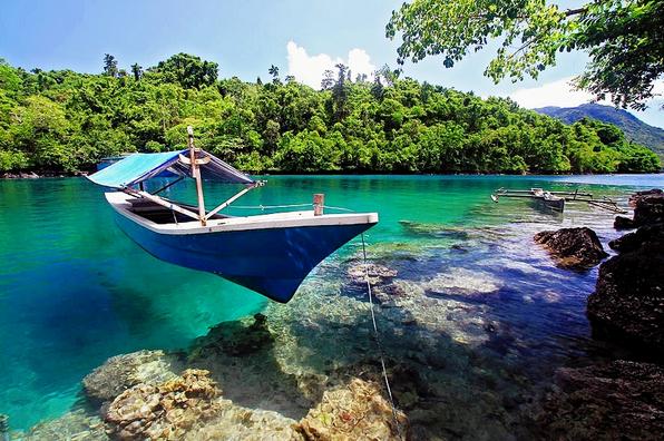 Pantai Sulamadaha - Wisata Favorit Kota Ternate