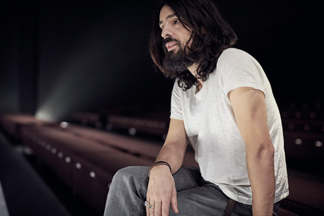 Newsflash: Alessandro Michele Bags International Designer of the Year Award