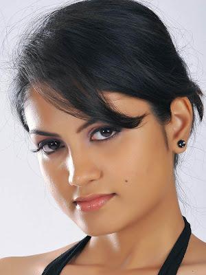 Madhulika Tollywood Actress Wallpapers