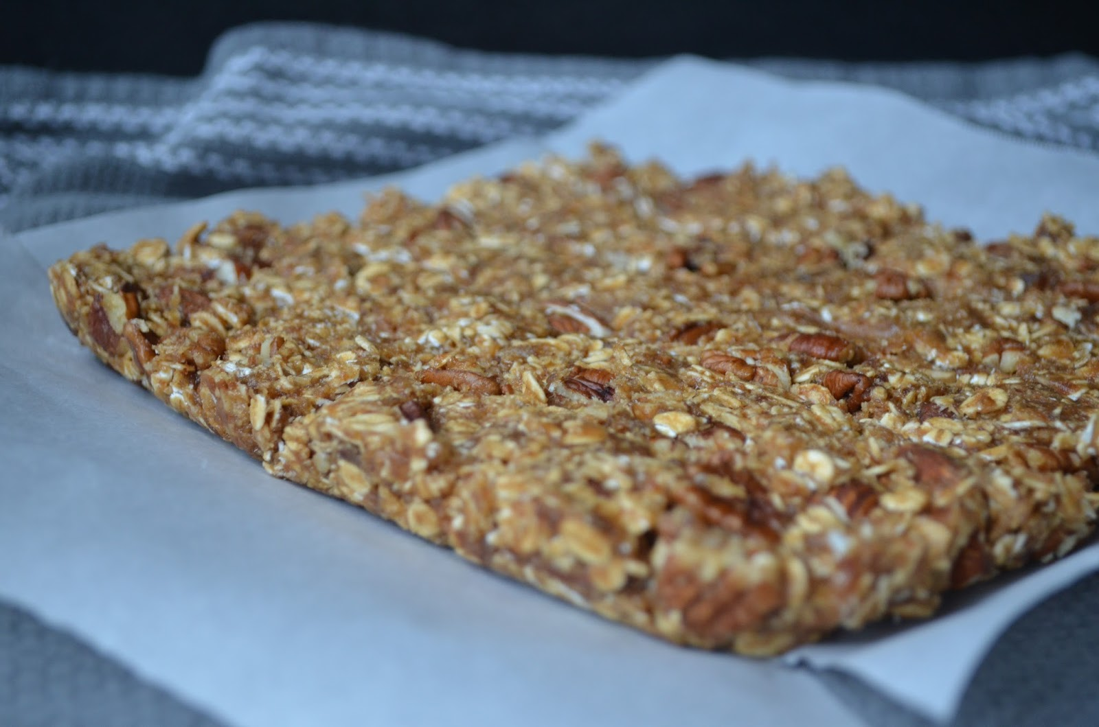 Petite Panettiere: Quick & Easy No-Bake Granola Bars
