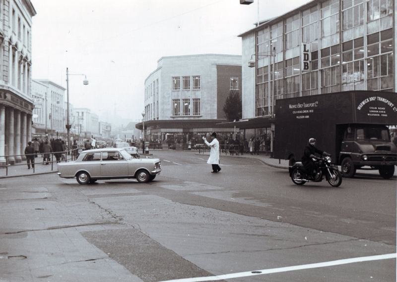 Commercial Road 1964