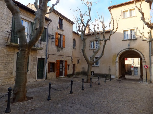 villeneuve lès avignon gard