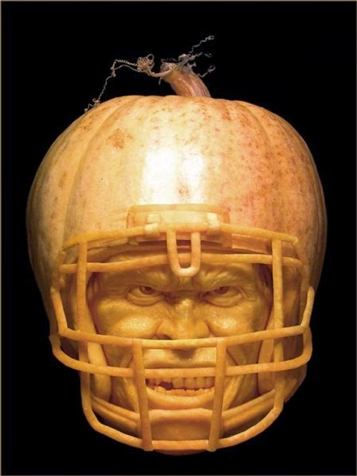 01-Halloween-The-Pumpkins-Villafane-Studios-Ray-Villafane-Sculpting-www-designstack-co