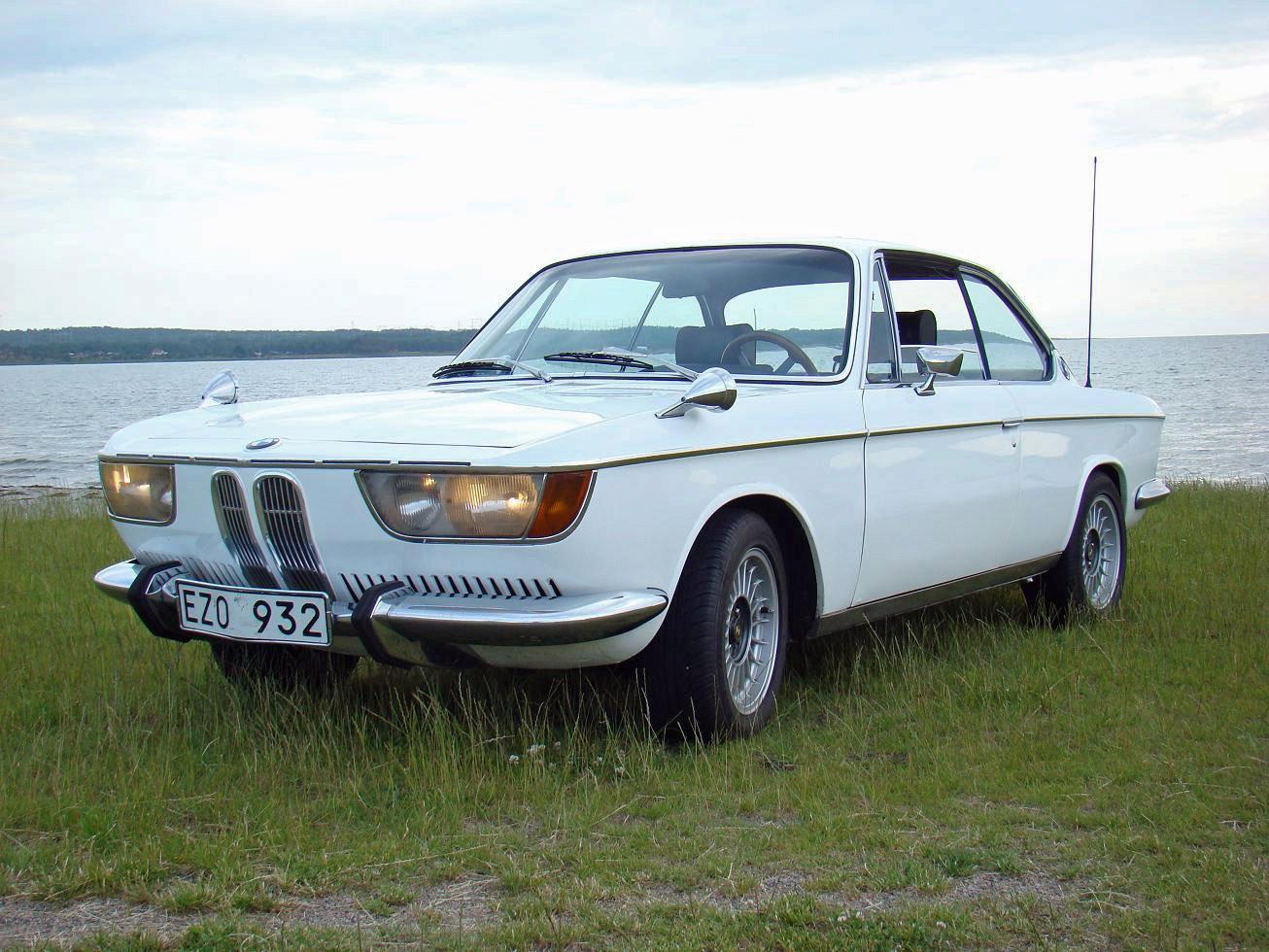 Net Cars Show: BMW 2000C & 200...