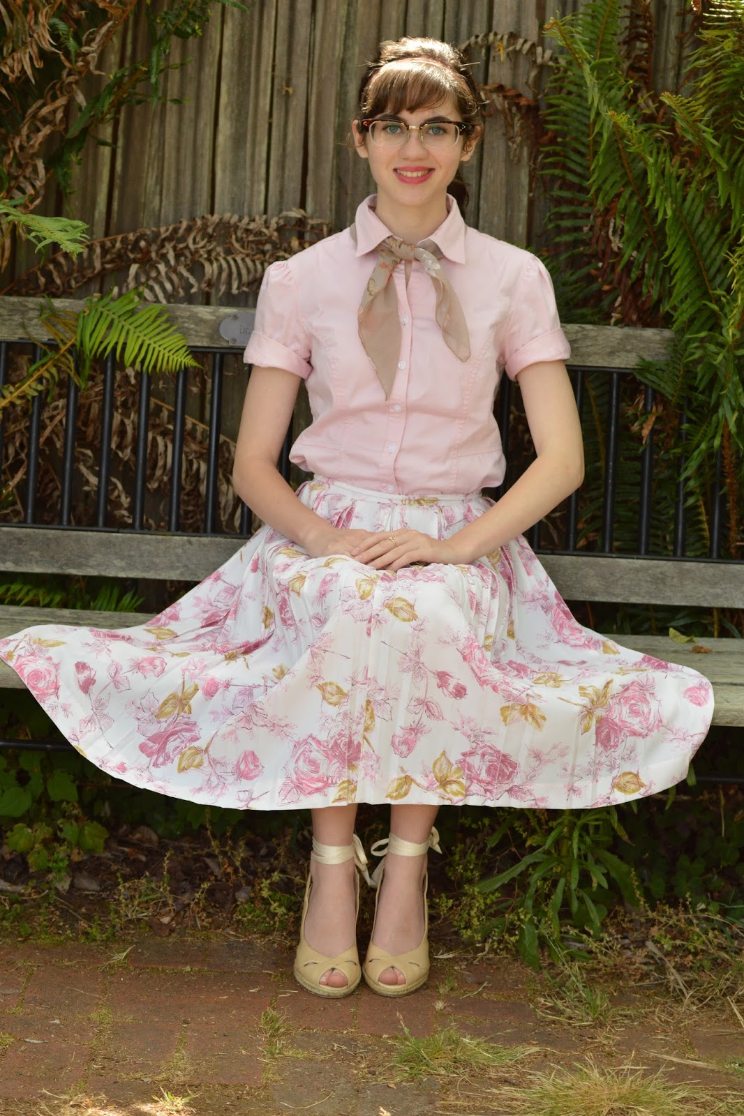 This blog party look is inspired by what is in my opinion the most summery  of retro eras, the 1950\u0027s! To begin with, a button,up blouse and full midi  skirt
