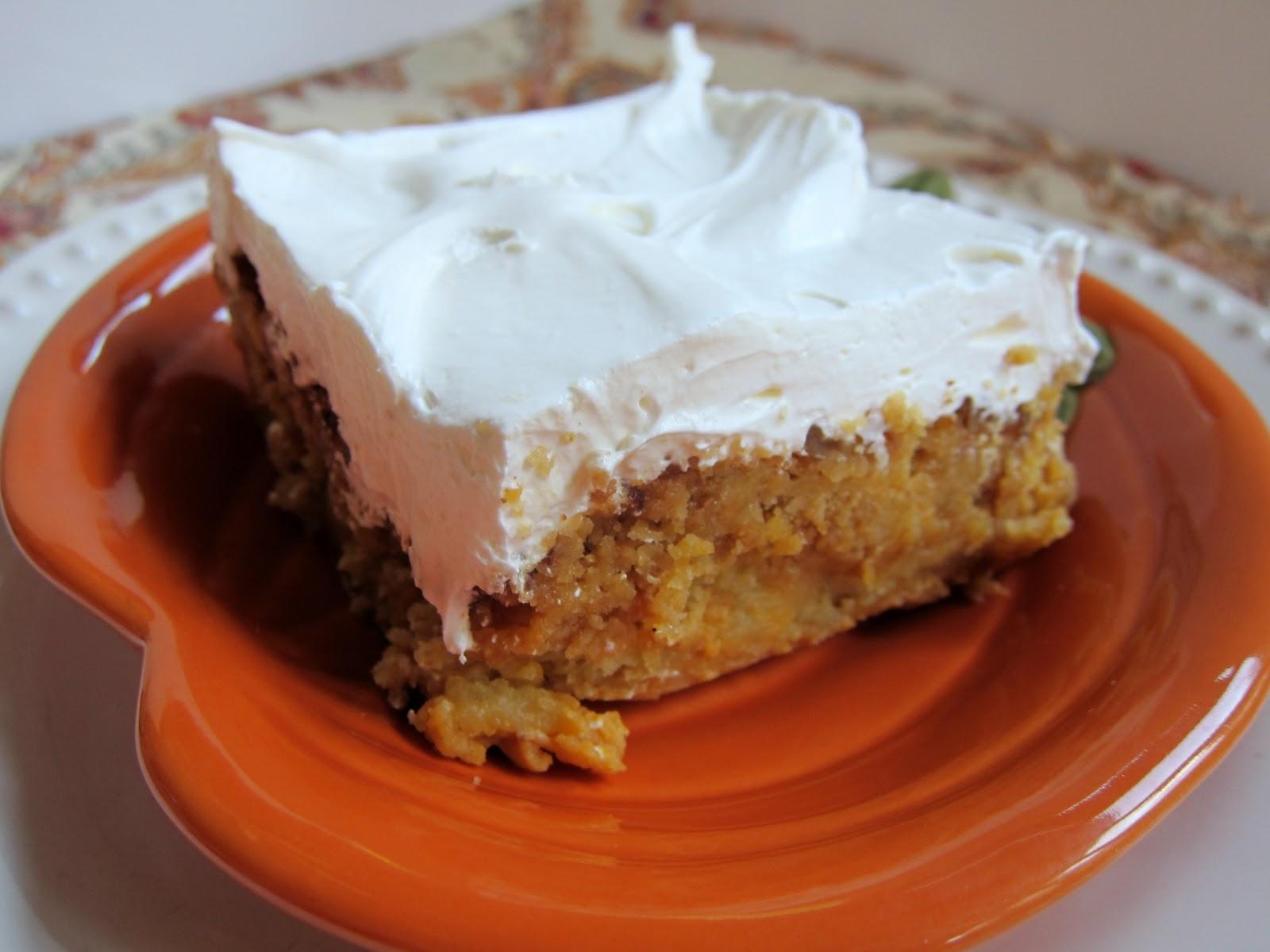 Tray's Recipe Blog: Pumpkin Crunch Easy as a Boot!!
