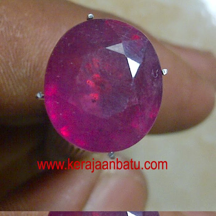 NATURAL RUBY CORUNDUM KODE P 924