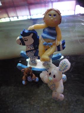 Mateo y sus juguetes
