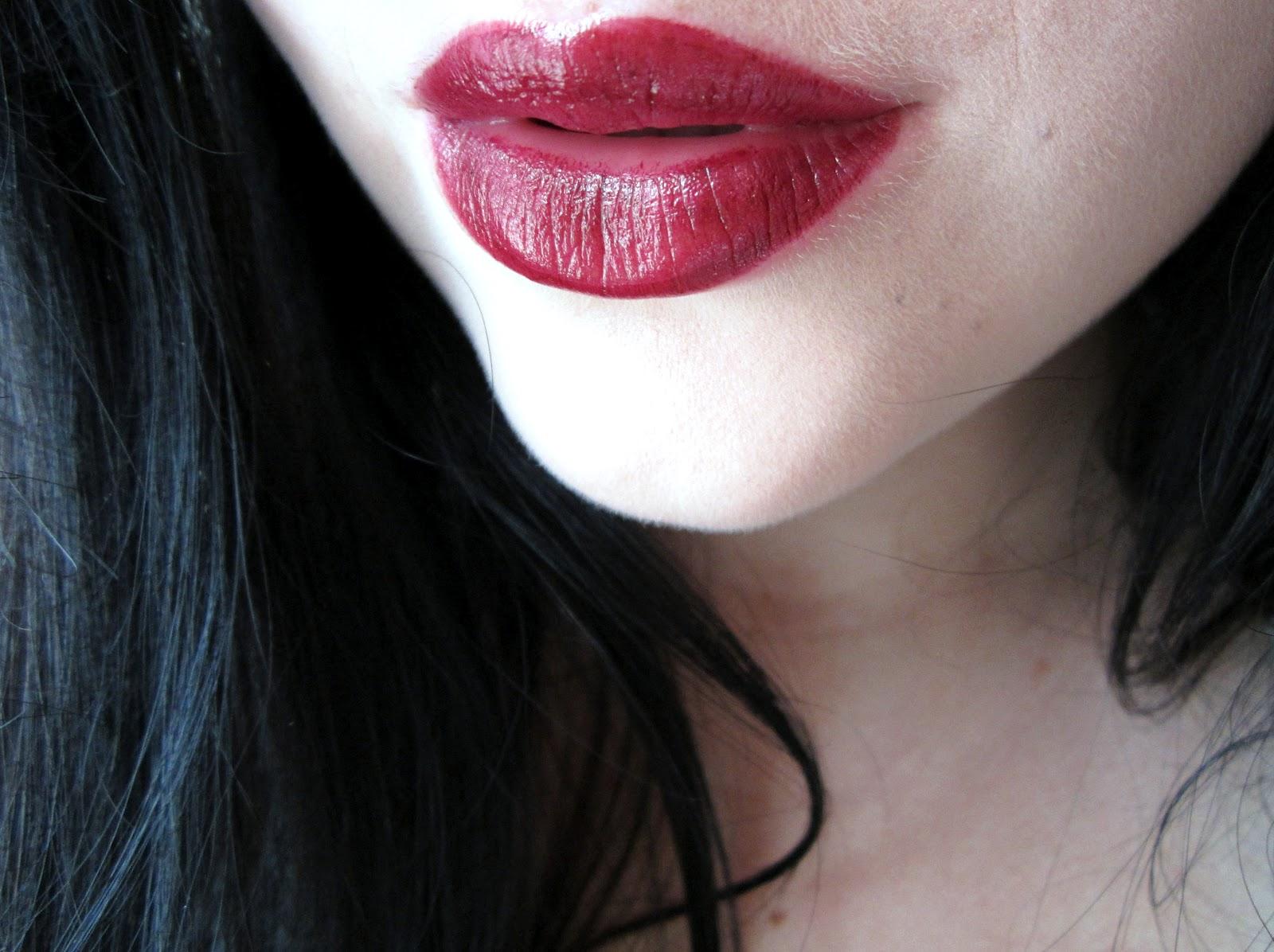 Eating Lipstick Revlon Black Cherry Super Lustrous Lipstick