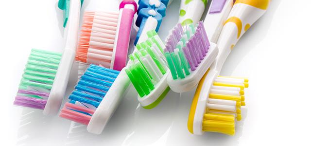 comment choisir une bonne brosse dents pour enfants soins dentaires. Black Bedroom Furniture Sets. Home Design Ideas