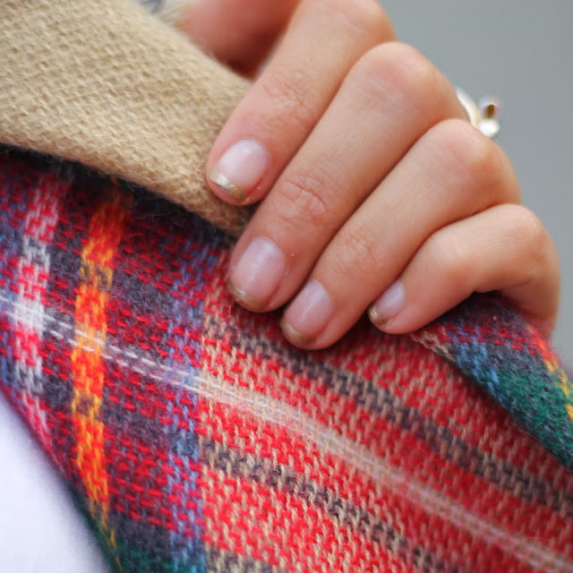 zara scarf holiday manicure