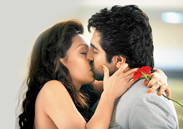 Hot Bollywood Actress Lip kiss pics - HD Group Sex