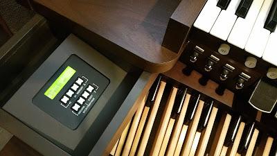 View of Allen Organ MDS-25 organ console controller