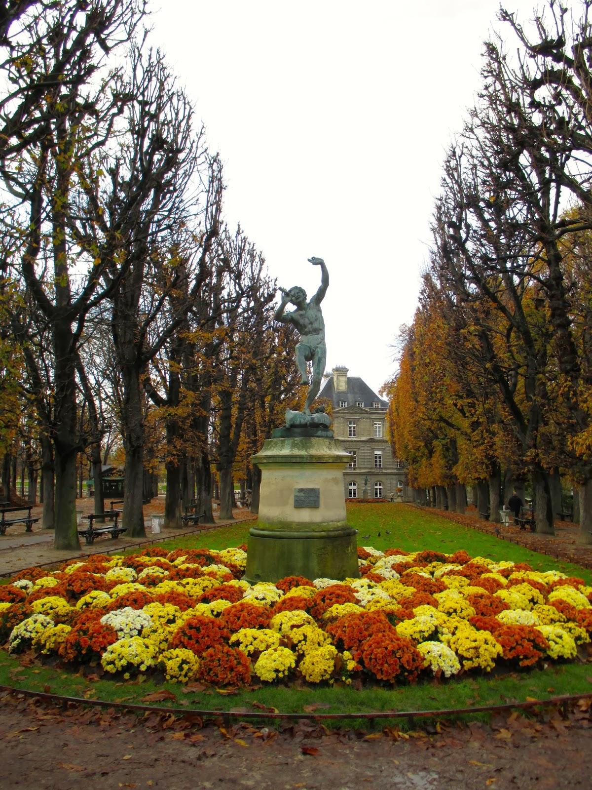 Une petite folie jardin du luxembourg for Jardin du luxembourg