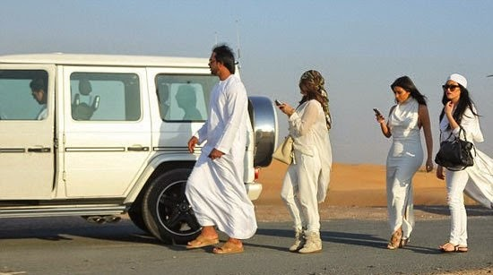 سعودى يعرض مليون دولار كارداشيان مقابل قضاء 2.jpg